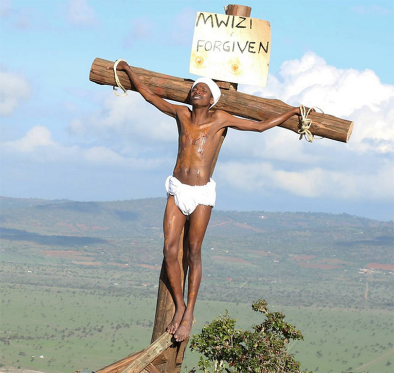 Controversial 'Eric Omondi on cross' photo [PHOTO/INSTAGRAM]